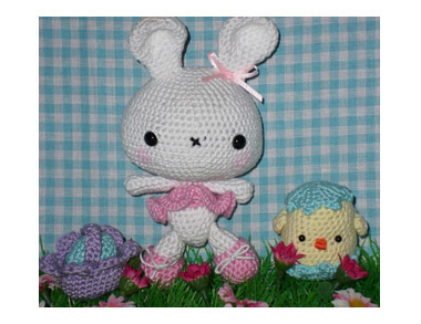Mirjam - Amigurumi Bunny and Chick in an Egg Shell