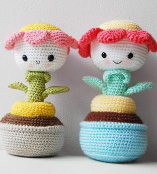 Cute Amigurumi Flowers Free Crochet Patterns   345x312