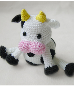 Amigurumi Cow - A Free Crochet Pattern - Grace and Yarn | 278x237