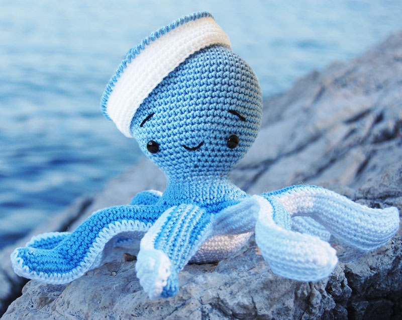 8 Giant Octopus Crochet Pattern Free & Paid | 636x800